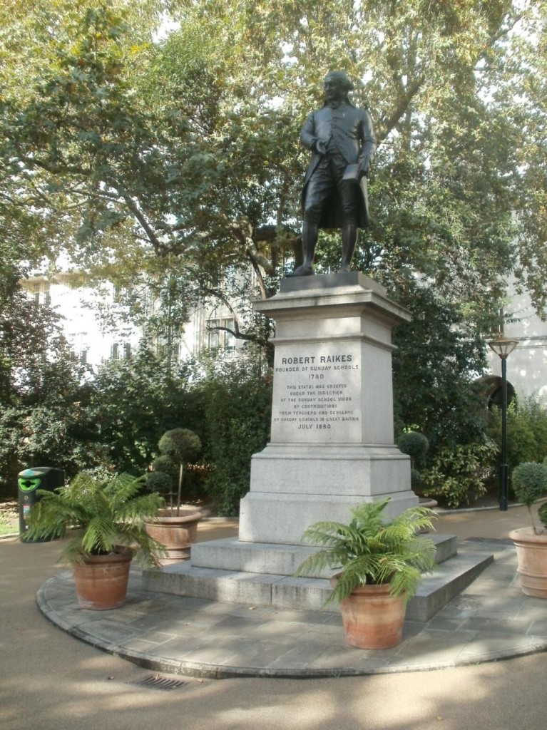 Statue of Robert Raikes - Victoria Embankment, London